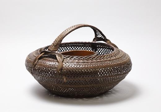 飯塚 鳳斎 「柾目割手付き花籃」